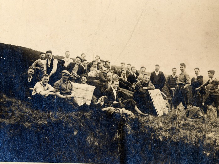 CHAPTER 3 photo1 Carrying Indicator on Ben Lomond March 1929 (2)